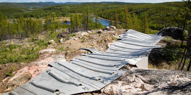 Stainless steel cap covering stope breakthrough, Rix-Athabasca, Leonard Mine